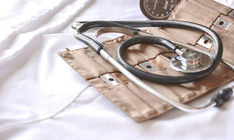 pielegniarka-gdynia-badanie-cisnienia